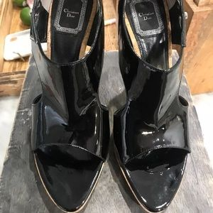 EUC Christian Dior 💯% authentic leather sandals